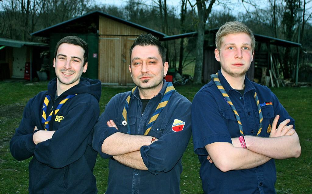 v.l.n.r.: Fabi (stv. Stammesführer), Meuti (Stammesführer), Jonas (stv. Stammesführer)